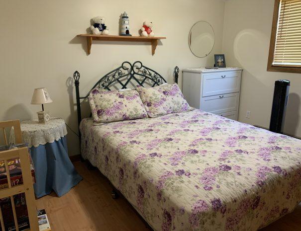West Bed Room Queen